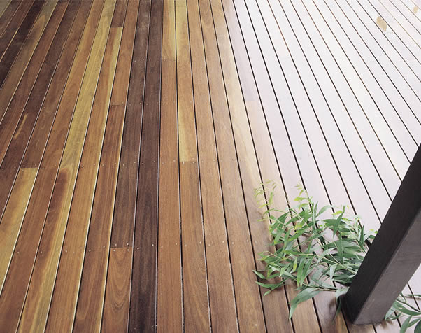 Large image of a typical select grade spotted gum deck featuring gum leaves
